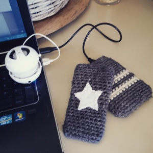 crochet_phone